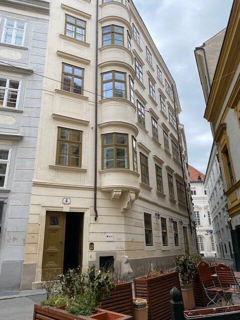 Seit Mai 2020 neuer Standort: 1010 Wien, Schönlaterngasse 4/2